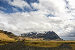 When the day starts to shout out loud (OR_U) Tags: 2017 oru iceland ásólfsskáli landscape cindylauper road bridge mountains clouds sky gravel village weather