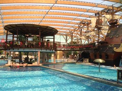 Tatralandia (Dushan and Miae) Tags: roof water pool bar ship pirate liptov aquapark tatralandia