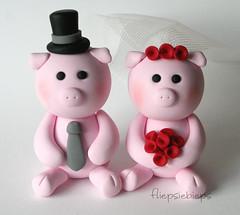 Piggy Wedding Cake Topper (fliepsiebieps_) Tags: pink wedding cute penguin decoration moose polymerclay figurines clay pigs customized caketopper custom piggies weddingcaketopper fliepsiebieps