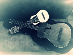 Charango y cuatro P1120560 (jantoniojess) Tags: criollo sevilla andeanmusic saya musicalinstruments charango instrumentosmusicales huayno joropo cuatrovenezolano hispanoamrica msicaandina takirari purpuritay msicahispanoramericana