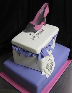 Stacked Shoe Box Cake med