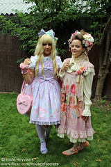 S and Marlessa (House Of Secrets Incorporated) Tags: france s lolita egl gardenparty nogentsurmarne jfashion sweetlolita angelicpretty toyparade classiclolita frenchcafé marlessa jfashionmeet jfashionevent lemanoirdelîleauxloups