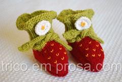 Sapatinhos de Morango da Pjusken (tricô em prosa) Tags: strawberry knitting handknit bebê morango booties seamless tricô sapatinho grátis pjusken semcostura