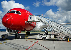 EI-LNF, Boeing 787-8, Noregian Air Shuttle, OSL 16.07.2014 (Skidmarks_1) Tags: norway airport aircraft aviation airliners osl engm norwegianairshuttle boeing787 oslogardermoenairport eilnf