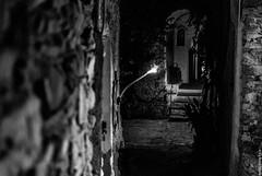L'ingresso di una delle abitazioni di Bussana Vecchia