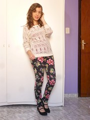 P1210435 (SuzanaSantos97) Tags: floral dark looks estampa calça sweter suéter