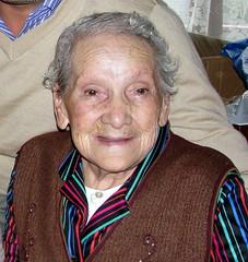 Una personita muy especial para mi! que ayer parti para descansar en los brazos de nuestro seor! <3 ....  descanse en paz abuelita! (Reina Sofa) Tags: vacaciones2012