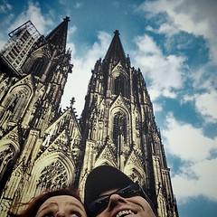 Wir sind heut mit dem #Rad am #Rhein entlang geradelt. Unterwegs sind wir an dem hier vorbei gekommen & haben mal nen #Selfi gemacht. :)  Bericht auf www.kiraton.com folgt. :)  #kiraton #instaweather #weather #köln #deutschland #day #summer #de #holiday #