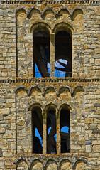 Subiendo en Sant Climent (guillenperez) Tags: world espaa tower heritage church spain san arch torre iglesia valle catalonia unesco catalunya mundial romanesque sant arco catalua boi romanico taull lleida clemente patrimonio vall lerida climent bohi tahull