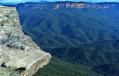 Lincoln's Rock -  Blue Mountains NSW (allancastroYD810) Tags: manfrotto 055xprob 498rc2 nikond810sigma70200mmf28exdgoshsmlens