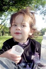 (Daniel fotografias) Tags: blue verde green folhas smile rio azul kids happy grande eyes do retrato portoalegre olhos bebê guria criança feliz menina rs árvore sul rosto mamadeira parquemarinhadobrasil danielviana canonpowershota2300