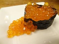 Ikura Sushi @Itamae-Sushi, Akasaka, Tokyo (Phreddie) Tags: trip friends food japan dinner sushi japanese restaurant tokyo yum drink delicious eat seafood biz akasaka shochu itamae 140703