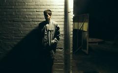 48/365 Espera (Blair Austin) Tags: light shadow portrait brick wall night midnight 365