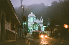 Atáco, El Salvador (GOJR.) Tags: travel inexplore nikonfe elsalvador nikonnikkor50f12ai kodakektar100 atáco film analog streetphotography 35mm