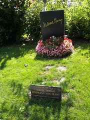 140817_Zentralfriedhof_244 (weisserstier) Tags: vienna wien celebrity cemetery grave grab zentralfriedhof prominenter experte marcelprawy