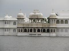 "Taj lake palace <a style=""margin-left:10px; font-size:0.8em;"" href=""http://www.flickr.com/photos/83080376@N03/15047466569/"" target=""_blank"">@flickr</a>"