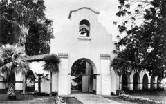 Charles W. Bowers Memorial Museum entrance, circa 1940s (Orange County Archives) Tags: california history museum historical southerncalifornia orangecounty santaana bowers orangecountyarchives orangecountyhistory