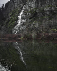 Reflection of a waterfall (Hans Franchesco) Tags: waterfall lake water reflection mountain mountains lakes trees reflections tree forest woodland cliff cliffface green peaceful beautiful landscape columbiarivergorge oregon cascademountains oregoncascades basalt basaltcliff interstate84 i84 roosterrock