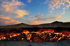 fire (agowski) Tags: travel sunset sky panorama landscape fire asia tramonto desert gas crater cielo centralasia viaggi fuoco deserto cratere turkmenistan karakum darwaza derweze asiacentrale lpsky derveze