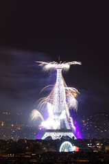 Tour Eiffel 4 (warmith) Tags: paris tower pose long exposure tour pentax sigma eiffel fte 14juillet 2014 k7 longue sigma70300mmf456dgapo warmith