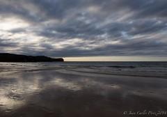 Playa de San Antoln (Juakifoto) Tags: sunset espaa costa atardecer mar agua asturias playa paisaje llanes naves sanantoln principadodeasturias paisajenatural