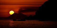 [ Appoggiati a me - Lay on me ] DSC_0444.2.jinkoll (jinkoll) Tags: sunset red sea sky sun fire volcano lava rocks smoking vaticano capo calabria eruption stromboli