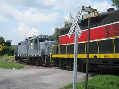 darlington 044 (Fan-T) Tags: railroad train pennsylvania darlington 18 77 ys gp9 plw cannelton gp18