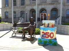 STL250 Cake with Benjamin Franklin Statue at Franklin County Courthouse - Union, MO_20140724_152500 (Wampa-One) Tags: cakes statue cake franklin union missouri benjaminfranklin franklincounty unionmo franklincountycourthouse benjaminfranklinstatue franklincountymo stl250 cakewaytothewest