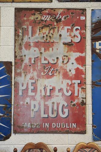 The Perfect Plug Sign € 250