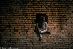 Through the wall (osman.abdelmukaram) Tags: wall flickr estrellas through bestportraitsaoi