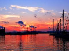 Tramonto al porto (antonè) Tags: sardegna sunset tramonto nuvole mare sardinia barche porto cielo sole alghero antonè angolidisardegna