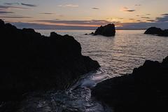 Rosario Ebb (zh3nya) Tags: sunset sea water silhouette flow gold evening washington twilight rocks waves cove tide kitlens wa pugetsound washingtonstate deceptionpass goldenhour seastacks salishsea rosariohead 1855mmf3556 washingtonstateparks wastateparks d3100