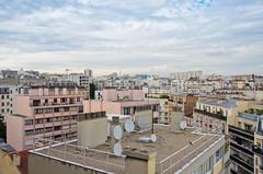 Un appartement dans le ciel (Bee.girl) Tags: paris roofs appartement toits 2014 immobilier 75020