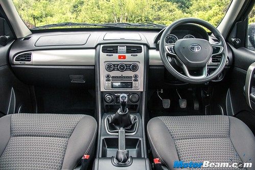 2015-Tata-Safari-Storme-Facelift-09