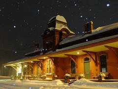 Waterbury Station (Mike Verillo) Tags: waterbury vermont storm snow stella night photography flash snowfall fujifilm x10 street photo streetp