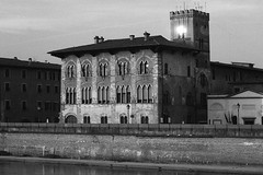 Palazzo del Governo, Pisa (Antonio Paradossi) Tags: blackwhite pisa biancoenero