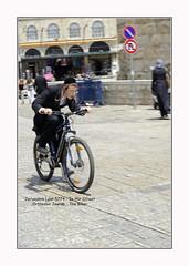 2014-05-Israel-0428w (BELHASSEN Gerard) Tags: street bike wall israel photo yahoo jerusalem reporter western jewish biker mur velo gerard cycliste occidental kippa juif papillote lamentations belhassen sefarim loubavich