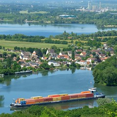 Trafic fluvial (xavnco2) Tags: france seine river village normandie pniche normandy barge poses eure fleuve valle