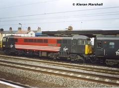 87025 at Stafford, 5/8/04 (hurricanemk1c) Tags: 2004 train railway trains virgin railways scannedphoto gec stafford virgintrains brel class87 virginwestcoast 87025 class870 britishrailengineeringltd countyofchershire virgintrainsredandblack
