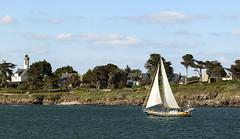 Port Navalo (PatGentil) Tags: port golf bretagne du bateaux ciel nuages morbihan paysages navalo