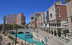 Venetian / Palazzo / Las Vegas (tom x wang) Tags: nikon lasvegas venetian palazzo lasvegasblvd