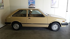 Mazda 323 1.3 DX (sjoerd.wijsman) Tags: auto holland cars netherlands car familia beige nederland thenetherlands voiture vehicle holanda autos mazda paysbas olanda hatchback fahrzeug niederlande 323 zuidholland meppel onk carspotting mazda323 mcar carspot mazdafamilia sidecode4 kd56nj
