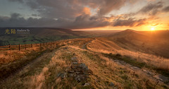 Chasing the Peak District Light. (awhyu) Tags: derbyshire peakdistrict mamtor losehill backtor andrewyuphotography