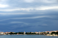 opkomend onweer boven Split, Kroati juni 2014 (wally nelemans) Tags: croatia split hrvatska 2014 kroati approachingthunderstorm naderendonweer