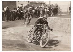11-enrico-manetti-in-curva-cat.-175-circuito-s.-bernardino-anno-1928