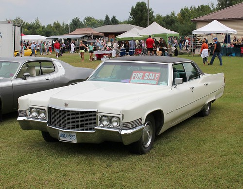 Flickriver: Photoset 'Cadillac 70 -->' by carphoto