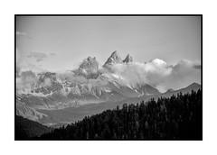 Aiguilles d'Arves (Pierre_Bn) Tags: bw france montagne sony nb neige alpha savoie été maurienne aiguillesdarves alpha850