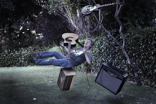 music selfportrait electric guitar box autoretrato amp acoustic cajón instruments amplificador levitar levitacion levitating instrumentos rithm acústica eléctrica teleidoscope nikond610