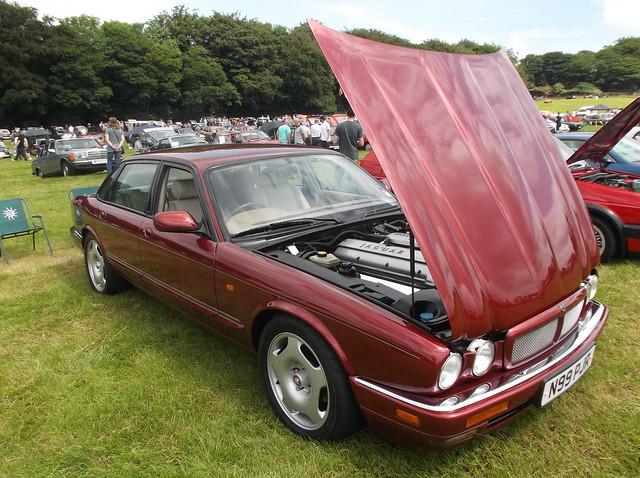 auto jaguar xjr