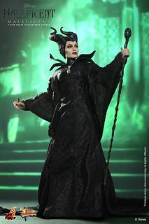 Hot Toys – MMS247 – 【黑魔女:沉睡魔咒】1/6 比例 Maleficent 梅菲瑟
